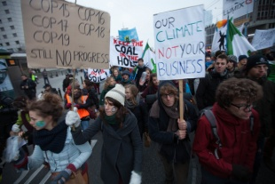 Commitments lost, ambitions damaged: No outcome in sight from Warsaw climate talks